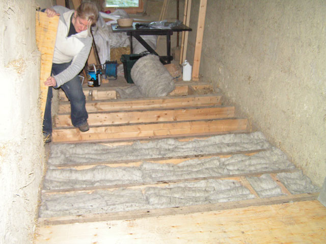 sheeps wool insulation in the floor