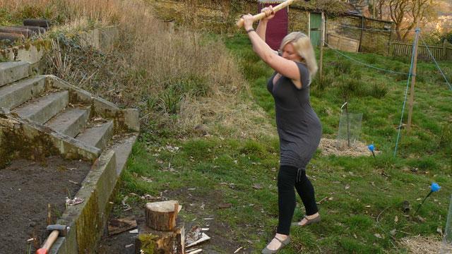 wood-chopping 1