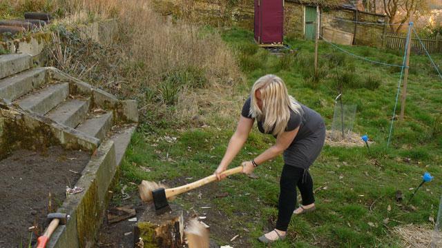 wood-chopping 3