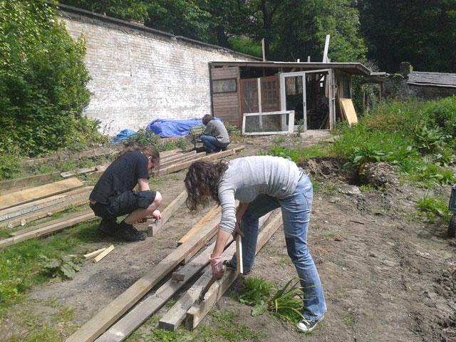 De-nailing all the wood